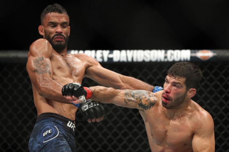 Raphael Assunção luta no UFC
