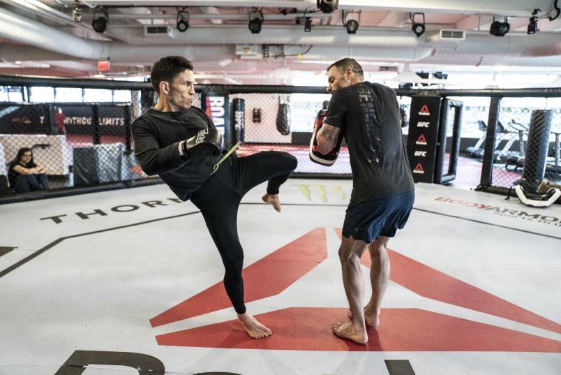 12 - Joseph Benavidez Pad workout ahead of his title fight at UFC Norfolk