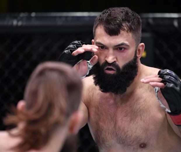 Andrei Arlovski of Belarus battles Tanner Boser of Canada in a heavyweight fight during the UFC Fight Night event at UFC APEX on November 07, 2020 in Las Vegas, Nevada. (Photo by Jeff Bottari/Zuffa LLC)