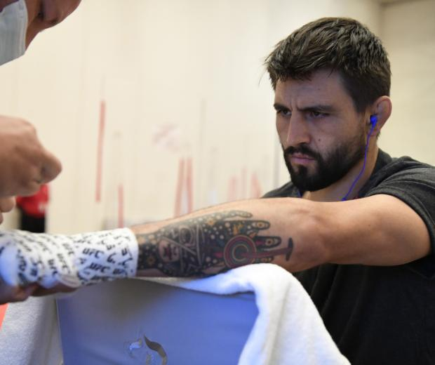 Carlos Condit gets his hands wrapped backstage during the UFC Fight Night event inside Flash Forum on UFC Fight Island on October 04, 2020 in Abu Dhabi, United Arab Emirates. (Photo by Mike Roach/Zuffa LLC)