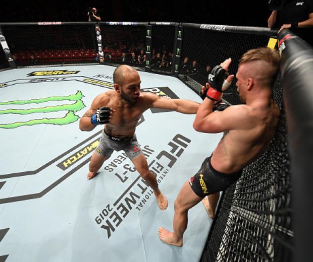Frank Camacho punches Nick Hein