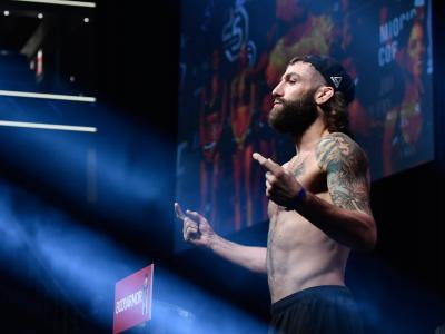 Michael Chiesa poses on the scale during the UFC 226 weigh-in inside T-Mobile Arena on July 6, 2018 in Las Vegas, Nevada. (Photo by Brandon Magnus/Zuffa LLC)