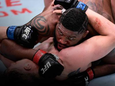 Curtis Blaydes battles Alexander Volkov of Russia in their heavyweight bout during the UFC Fight Night event at UFC APEX on June 20, 2020 in Las Vegas, Nevada. (Photo by Chris Unger/Zuffa LLC)