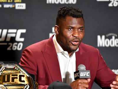 """Ngannou pede por Jones, que responde: """"Não ganhei todo este peso à toa"""""""