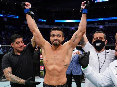 André Sergipano e Priscila Pedrita dão show no card preliminar do UFC 262