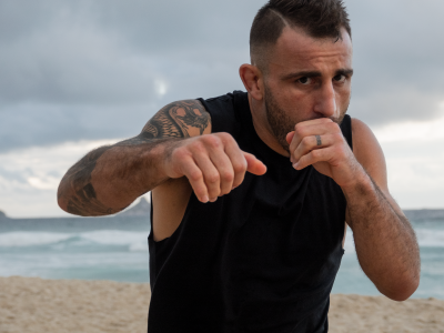 Alexander Volkanovski training for UFC 251