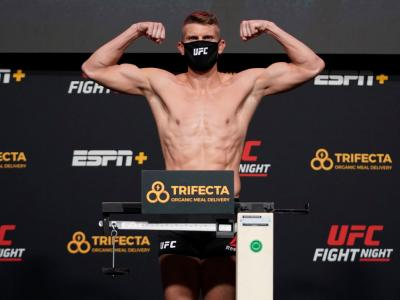 LAS VEGAS, NEVADA - DECEMBER 18: Stephen Thompson poses on the scale during the UFC Fight Night weigh-in at UFC APEX