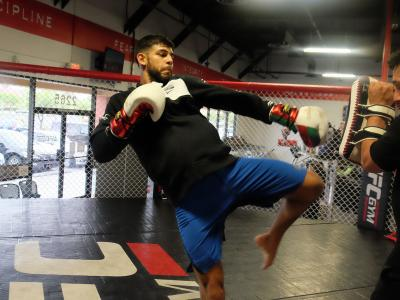 LAS VEGAS.- 5/7/2017 FUFC Feather weight Yair Rodriguez training at the Green Valley UFC Gym in Las Vegas for his fight at UFC 211. (Photo credit: Juan Cardenas)