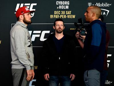 Brasileiro marcou presença no Media Day do UFC 219 e analisou o seu duelo contra o lutador russo