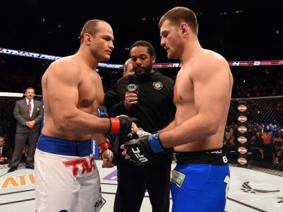 Quando se enfrentaram  pela primeira vez no UFC Phoenix, em 214, Junior Cigano e Stipe Miocic travaram um duelo épico de cinco rounds, com vitória do brasileiro. Agora, o cinturão dos pesos-pesados entará em jogo na luta principal do UFC 211, em 13 de mai