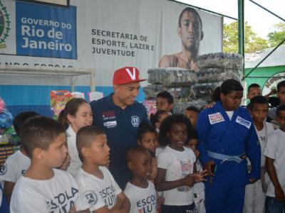 José Aldo, Dia das crianças