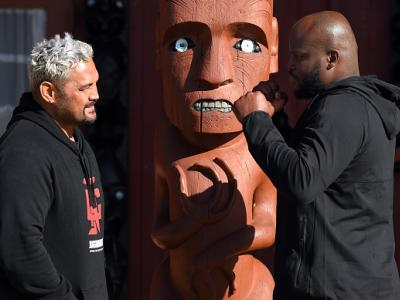 AUCKLAND, NEW ZEALAND - JUNE 07:  Heavyweight fighters Mark Hunt of New Zealand and Derrick Lewis of the United States receive a traditional welcome from the Ngti Whtua tribe ahead of their fight at the Orakei Marae on June 7, 2017 in Auckland, New Zealan