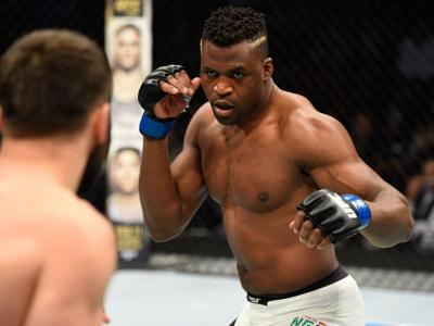 DENVER, CO - JANUARY 28:  (R-L) Francis Ngannou of Cameroon circles Andrei Arlovski of Belarus in their heavyweight bout during the UFC Fight Night event at the Pepsi Center on January 28, 2017 in Denver, Colorado. (Photo by Josh Hedges/Zuffa LLC/Zuffa LL