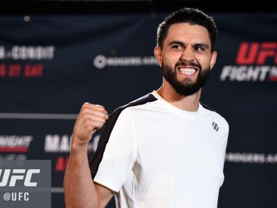 VANCOUVER, BC - AUGUST 25:  Carlos Condit holds an open workout session for media and fans at the Hyatt Regency Vancouver on August 25, 2016 in Vancouver, Canada. (Photo by Jeff Bottari/Zuffa LLC/Zuffa LLC via Getty Images)
